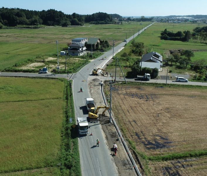 県道拡幅作業